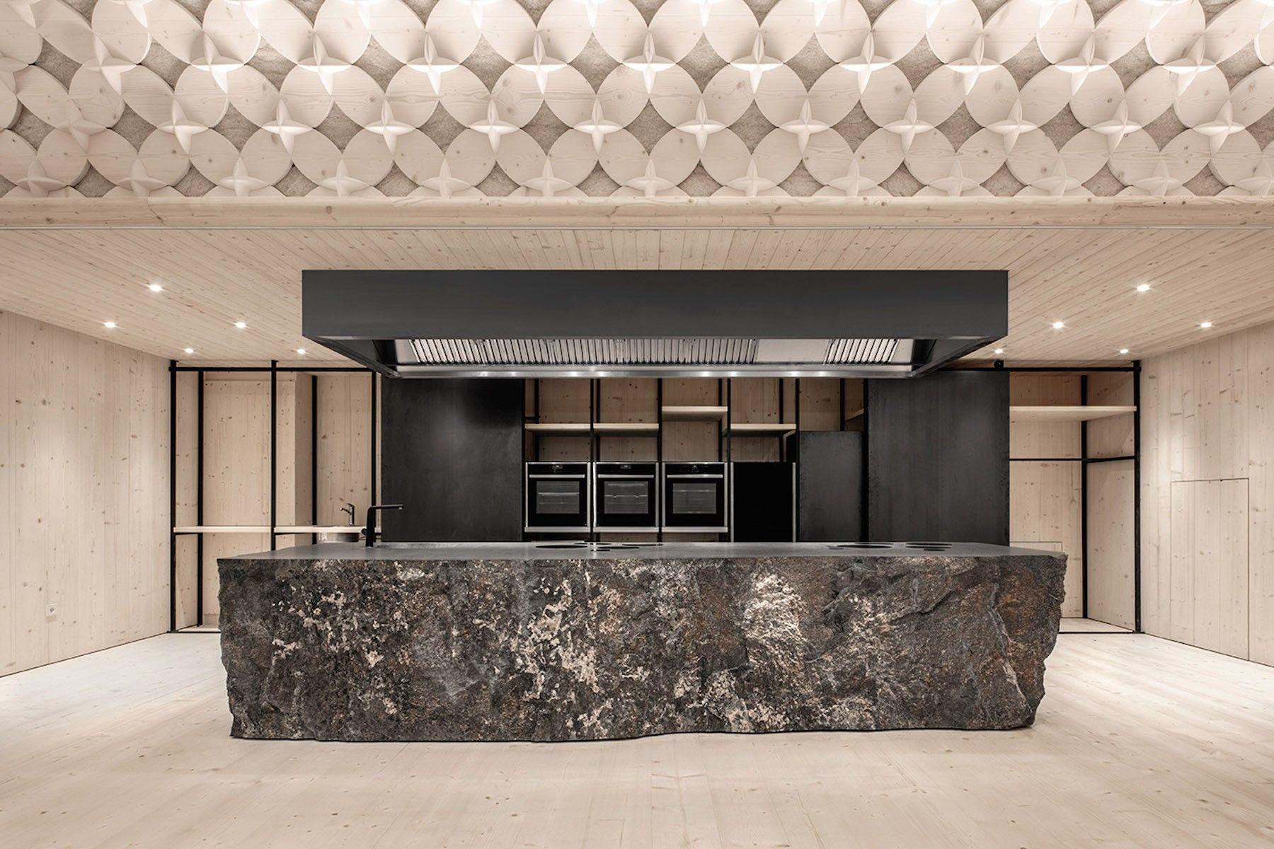 École de cuisine par Pedevilla Architects pour l\'hôtel Bad Schörgau ...