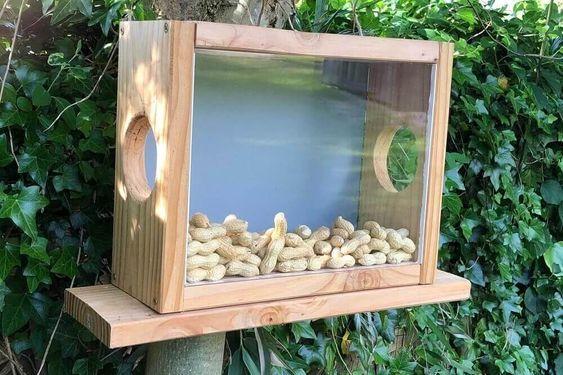 Eichhörnchen Futterhaus - Bauanleitung Eichhörnchenhaus selber bauen