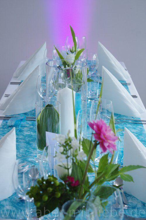 tischdekoration in t rkis mit akzenten in pink glaszylinder kerzen dahlie hypericum phlox. Black Bedroom Furniture Sets. Home Design Ideas