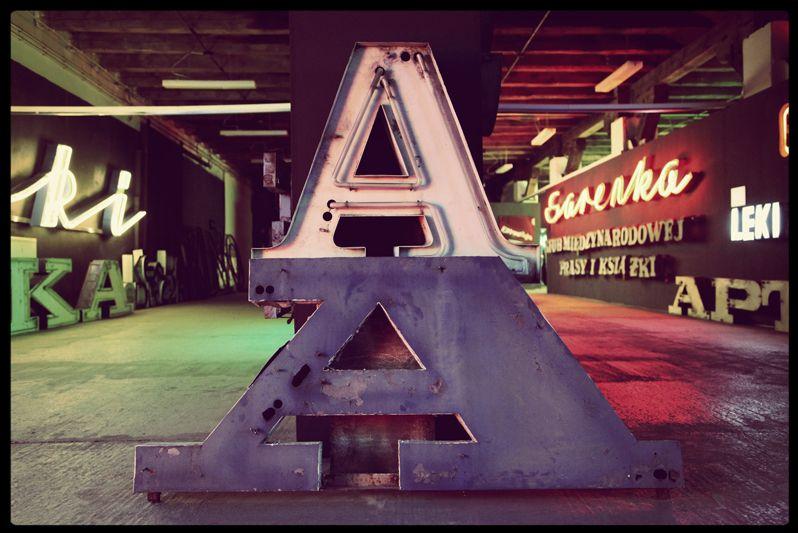 Internazionale » Il museo dei neon http://www.internazionale.it/portfolio/il-museo-dei-neon/