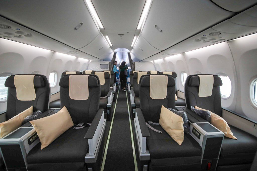 inside silkair s new boeing 737 max 8 supertravelme com airline interiors boeing 737 airplane interior
