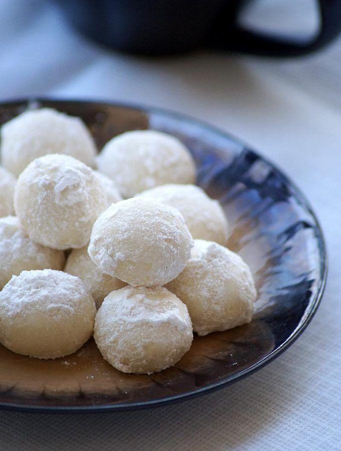 Snowball Cookies Recipe \u2013 Melting Moments \u2013 Easy Christmas Cookies