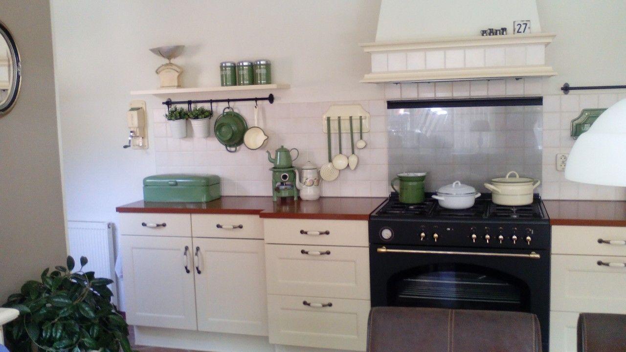 Mooie landelijk brocante keuken
