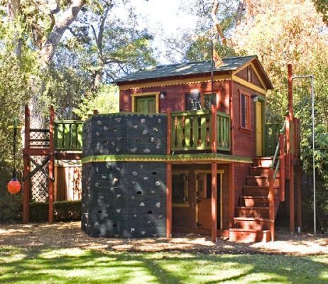 Custom play forts barbara butler play forts for children for Backyard clubhouse plans