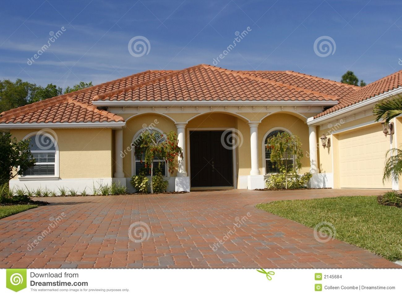 Best Yellow House With Red Roof Neat Yellow Home With White Columns Red Tile Roof And Wide Paved 400 x 300