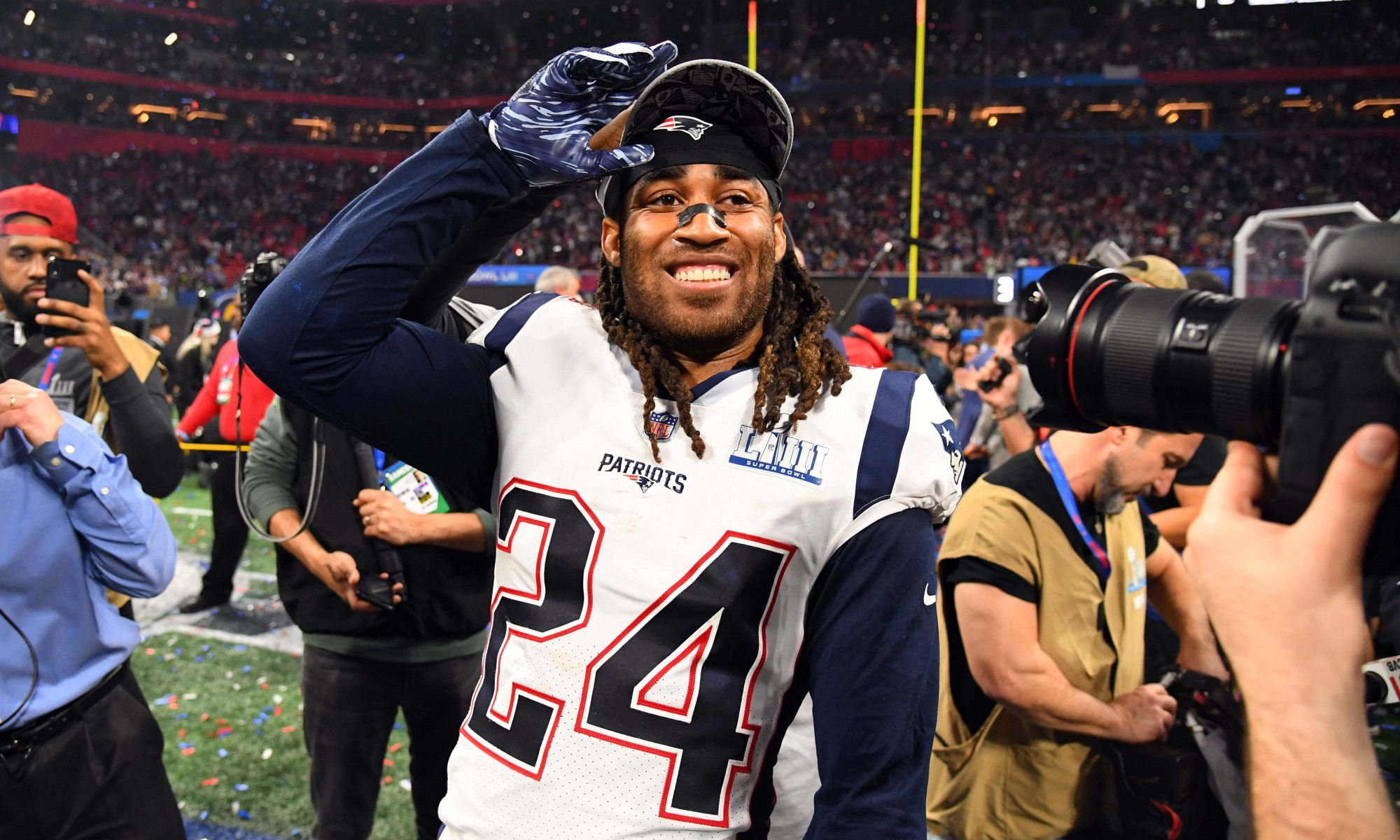 Report Stephon Gilmore Patriots Tweak Contract To Create Cap Space Patriots New England Patriots Defense New England Patriots