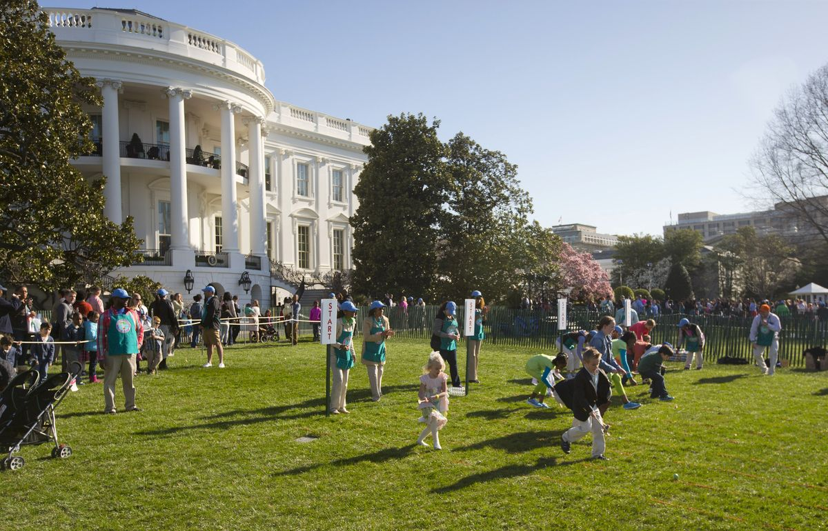 White House Gets Active For Its Annual Easter Egg Roll White House Easter Egg Easter Eggs Egg Rolls