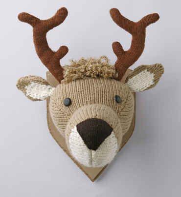 DIY Knitted Deer Head