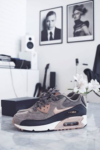 14433012 564586580418069 1933868412333321882 N Jpg 320 480 Nike Shoes Outlet Multicolor Shoes Trendy Sneakers