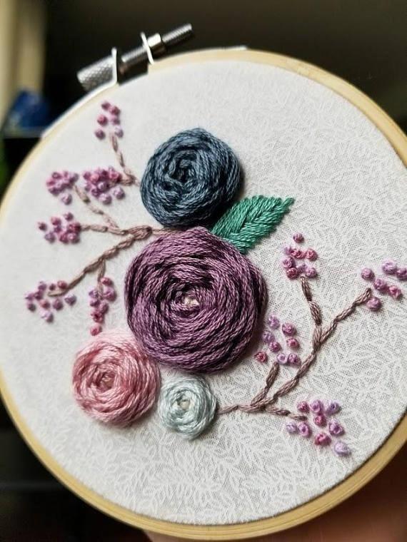 Blumenrosen Handstickerei Kunst Blumen gewebte Rad Rosen, schöne Blumenstickere #flowerpatterndesign