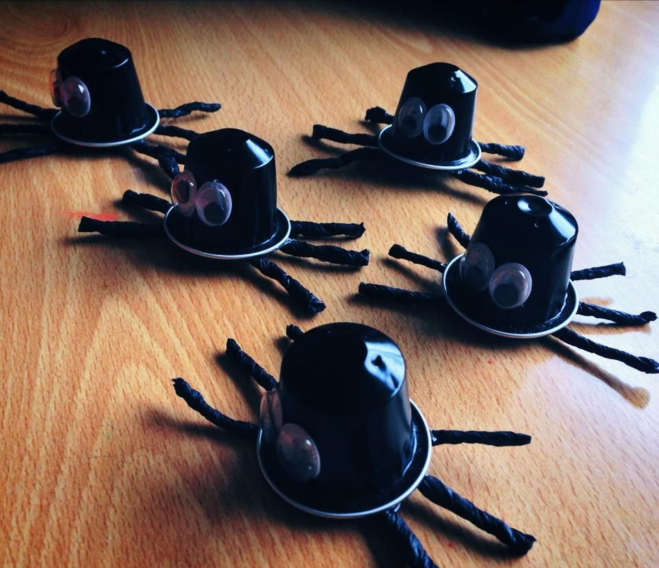 Araign e bricolage avec capsules de caf pinterest spider and nespresso - Bricolage capsule nespresso ...