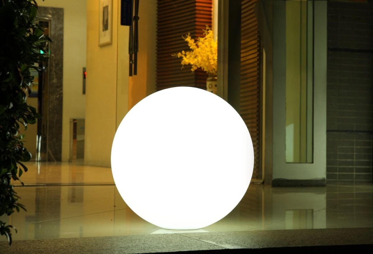 Globe Bluetooth Indoor Outdoor Led Lamp By Smart Green Sg Globe Xl Outdoor Led Lamps Cordless Lamps Led Pool Lighting