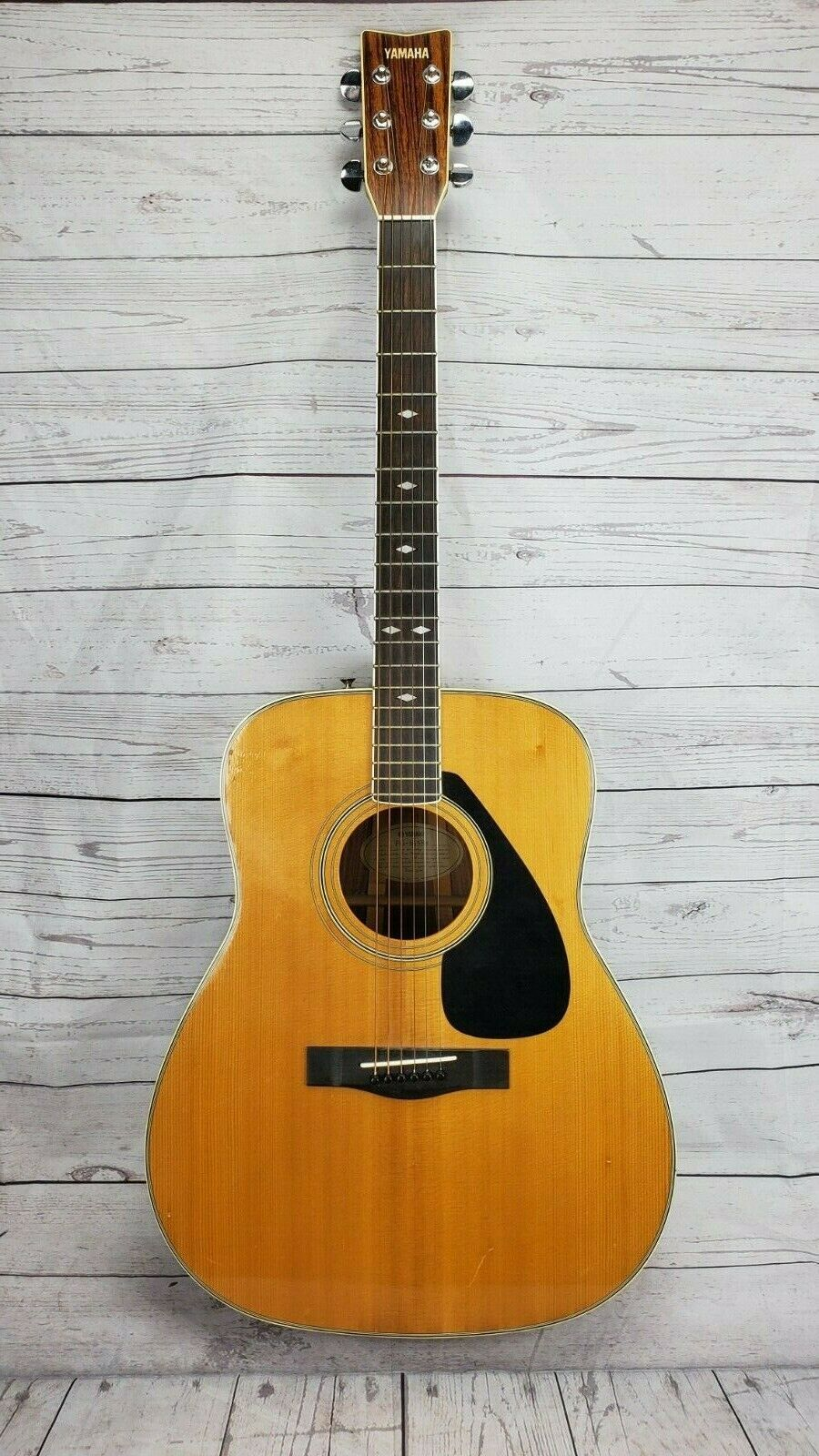 Pin By William Low On Guitar In 2020 Yamaha Acoustic Guitar Yamaha Acoustic Yamaha Fg