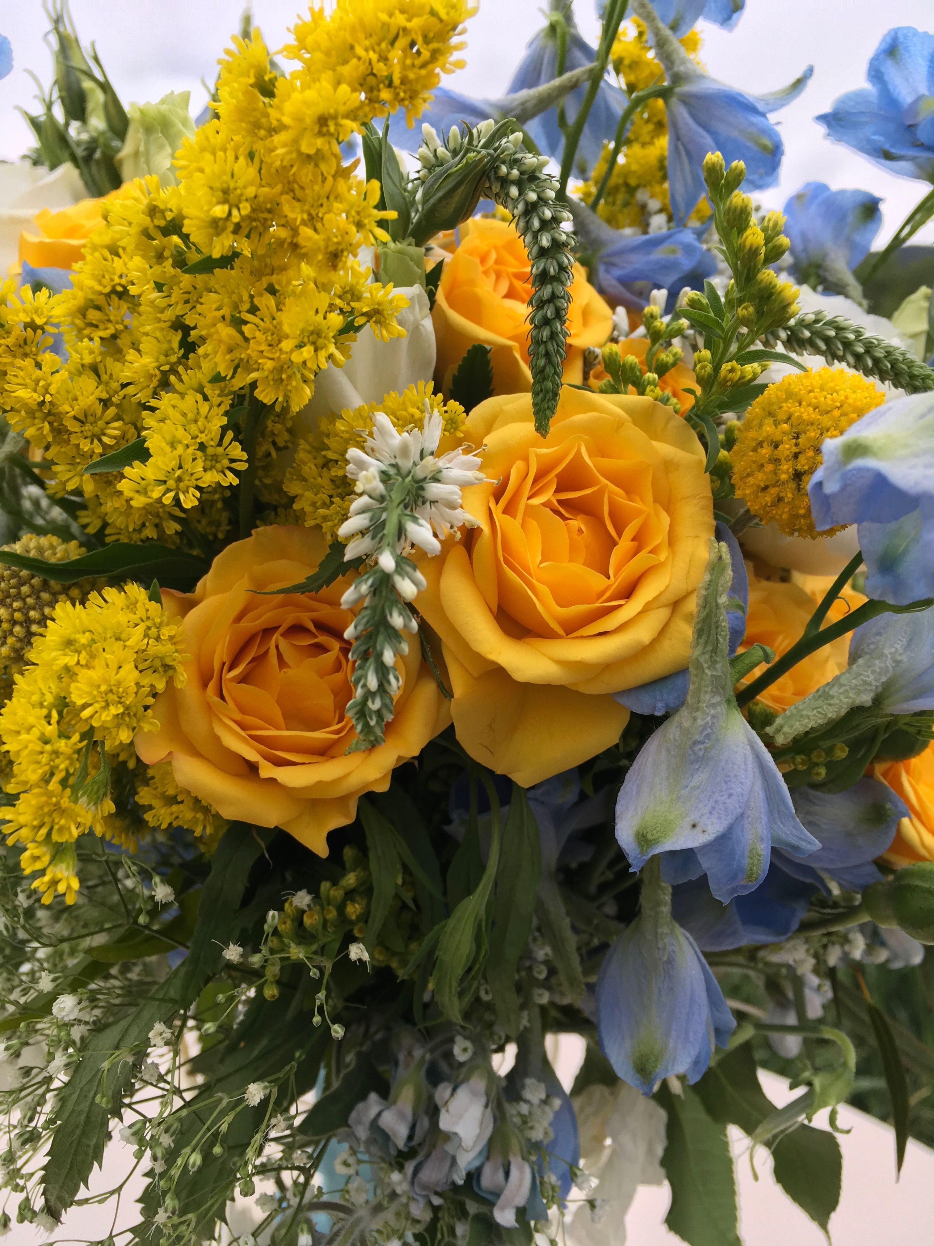 Gorgeous Yellow And Blue Flowers For Lisa And Craigs Wedding