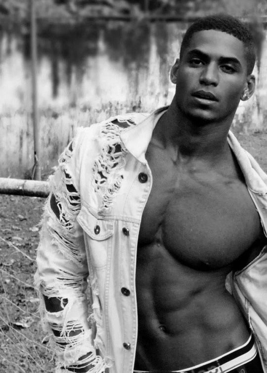 Light skin sexy black man — photo 2