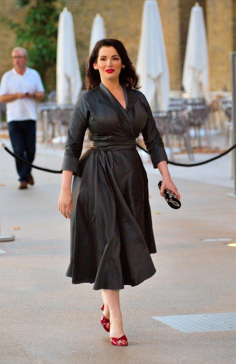 Nigella Lawson What A Great Dress Hey I Can Relate If She Was Redhead This Could Be Me Love That And The Red Shoes 8