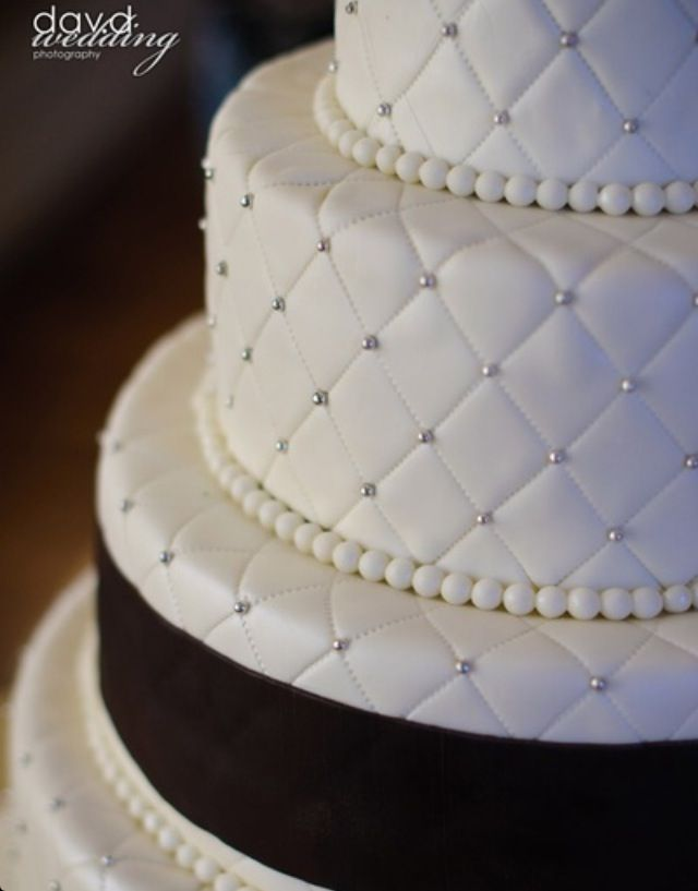 Pin De Sherri Revives En It S A Wedding Bizcochos De Boda Tortas De Bodas Pastel De Bodas Blanco