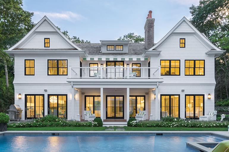 White Vinyl Siding Offset Against Black Framed Windows Home Exterior Makeover Hamptons House House Exterior