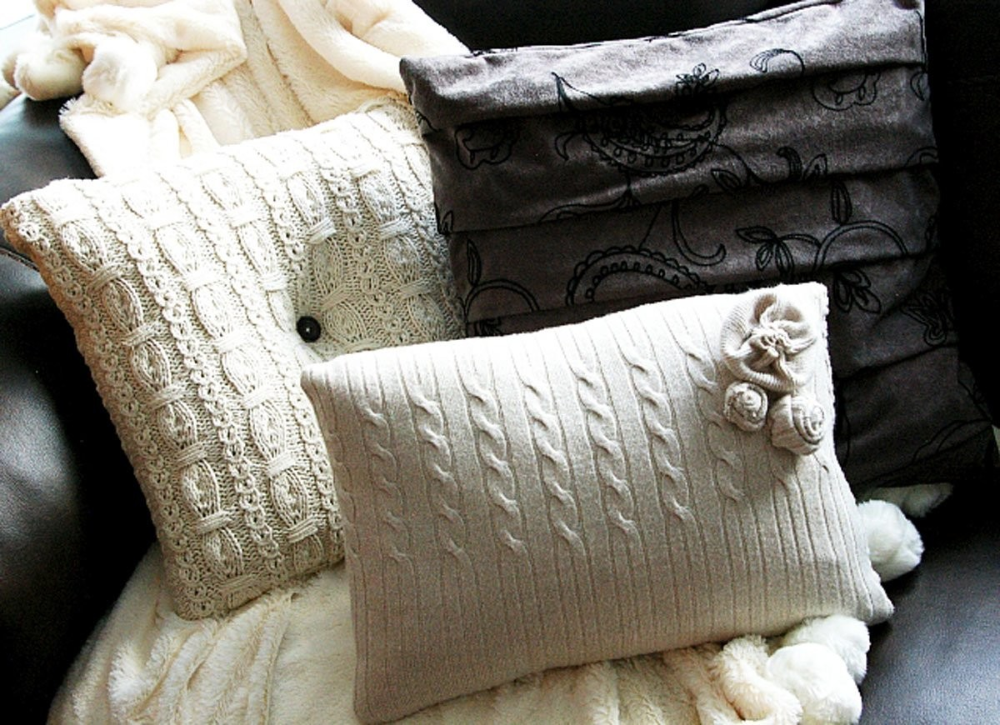accent pillows ideas on Decoratorist