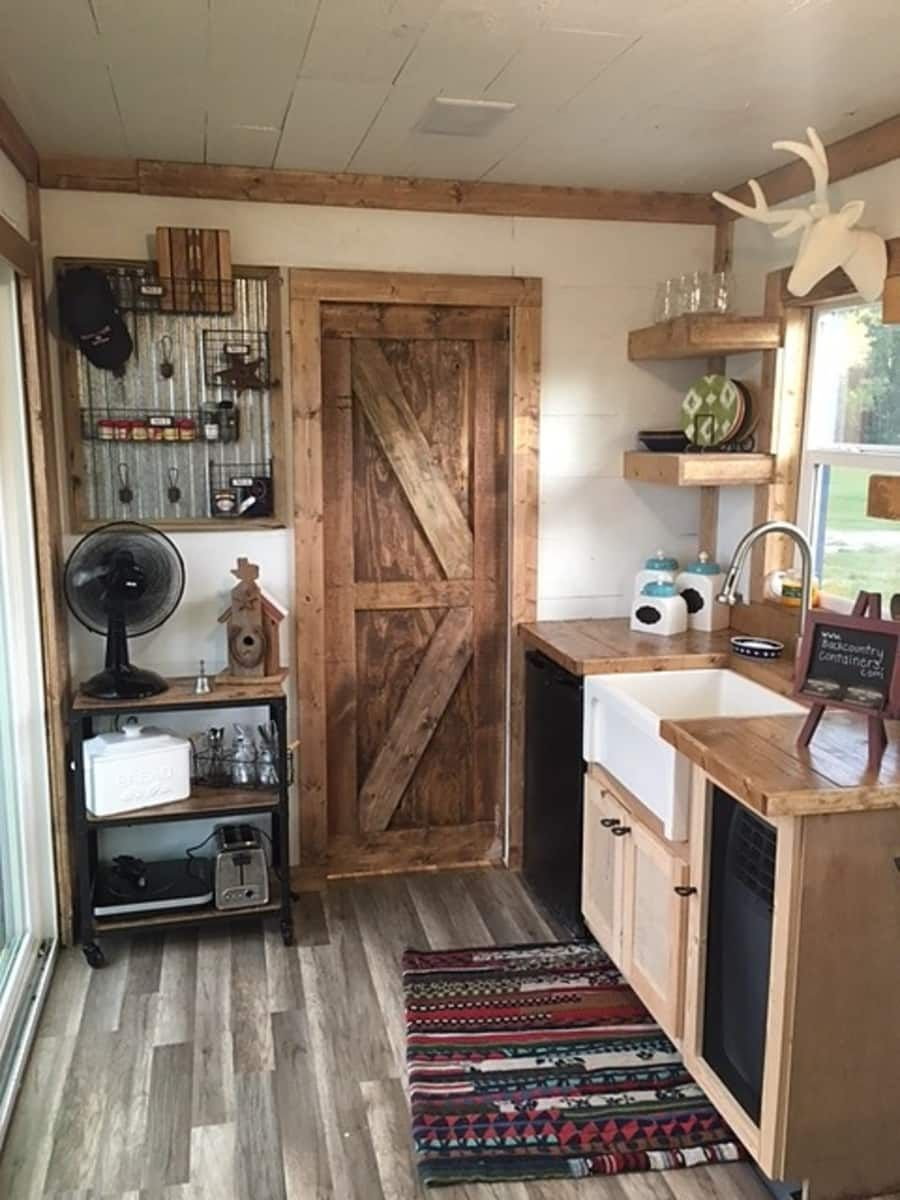 20 Rustic Retreat Shipping Container Tiny House For