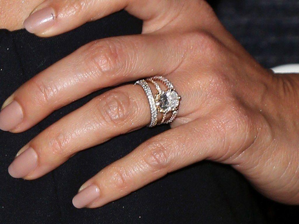 Let S Discuss Jessica Alba S Engagement Ring Switcheroo