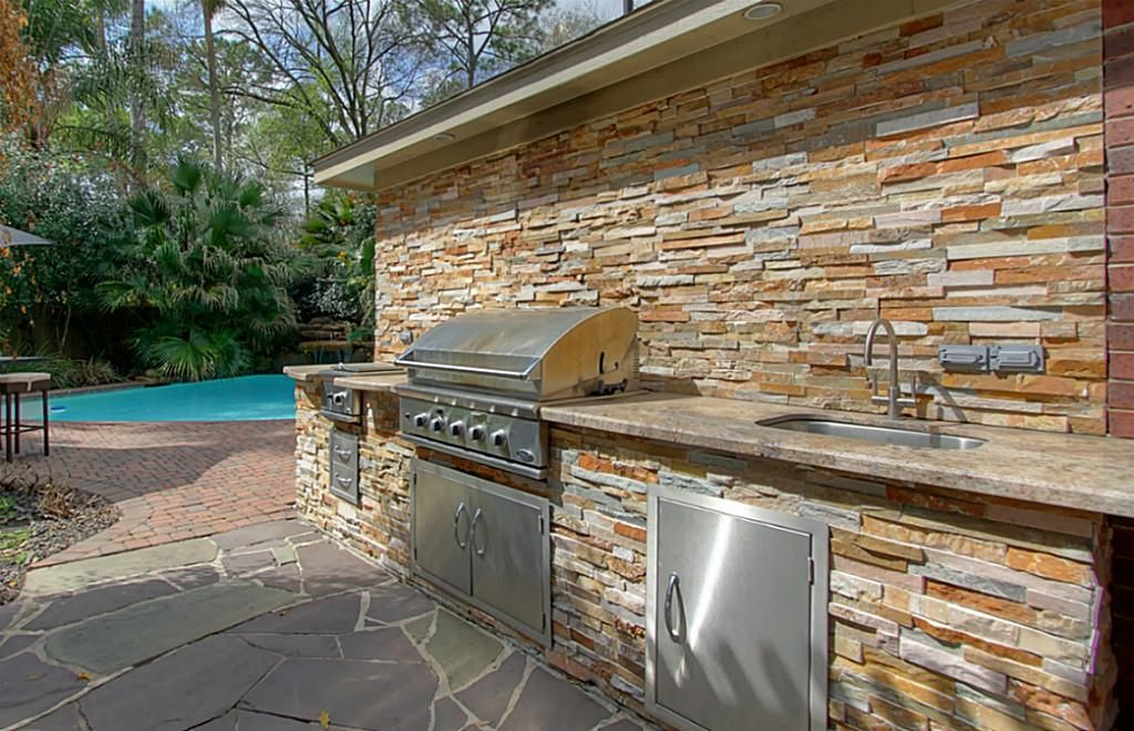 8935 Andante Dr Houston Tx 77040 Photo Outdoor Bbq With Dcs Commercial Grill Side Burner And Sink Outdoor Bbq Patio House Plans