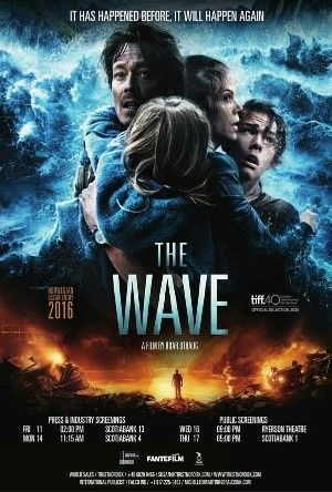 Pin By Micaela Tomlinson On Imbd Disaster Movie Wave Poster