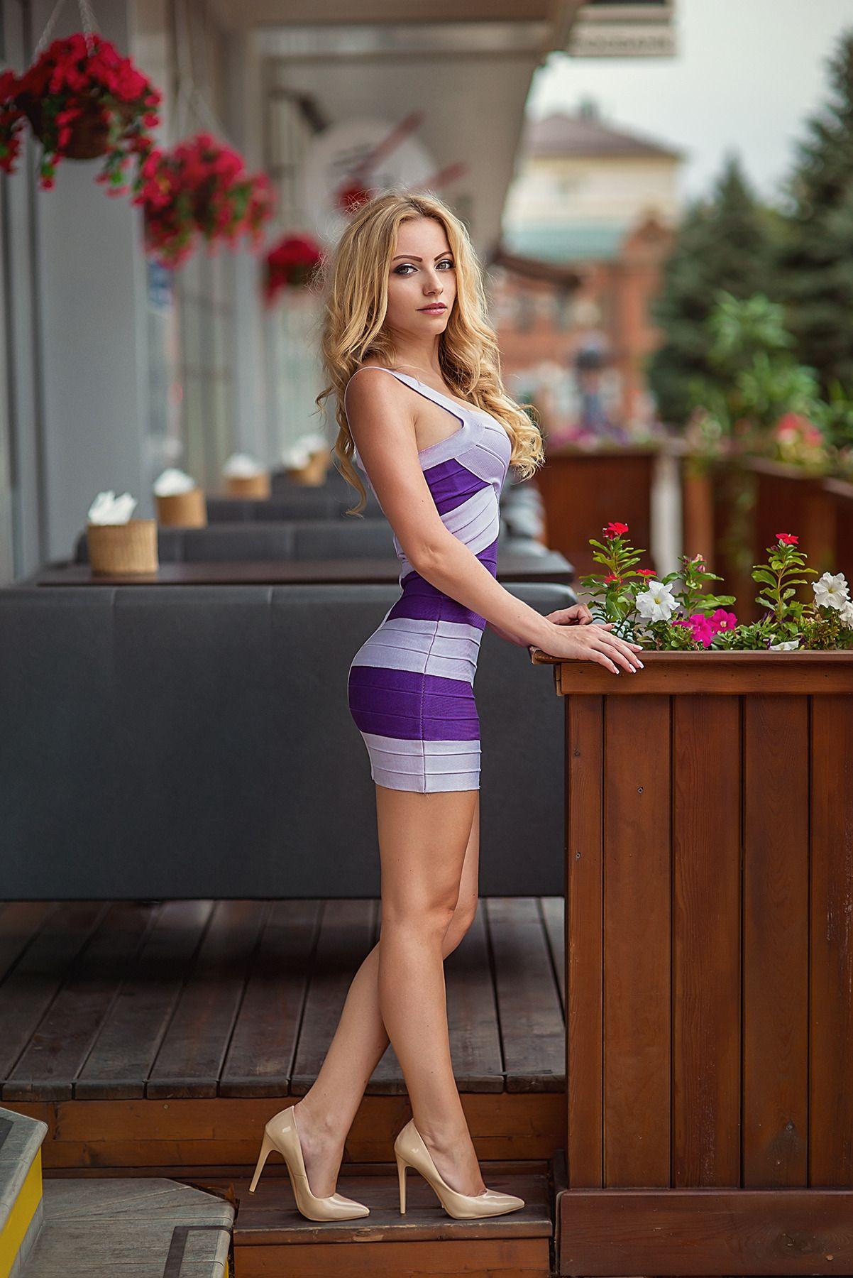 Sexy School Girls Short Skirts