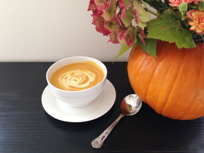 Make your very own pumpkin flower vase and pumpkin soup!  Read more: http://www.knockknocklondon.co.uk/halloween-home/