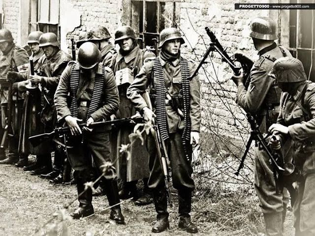 German Wehrmacht soldiers in Stalingrad, the Eastern Front,