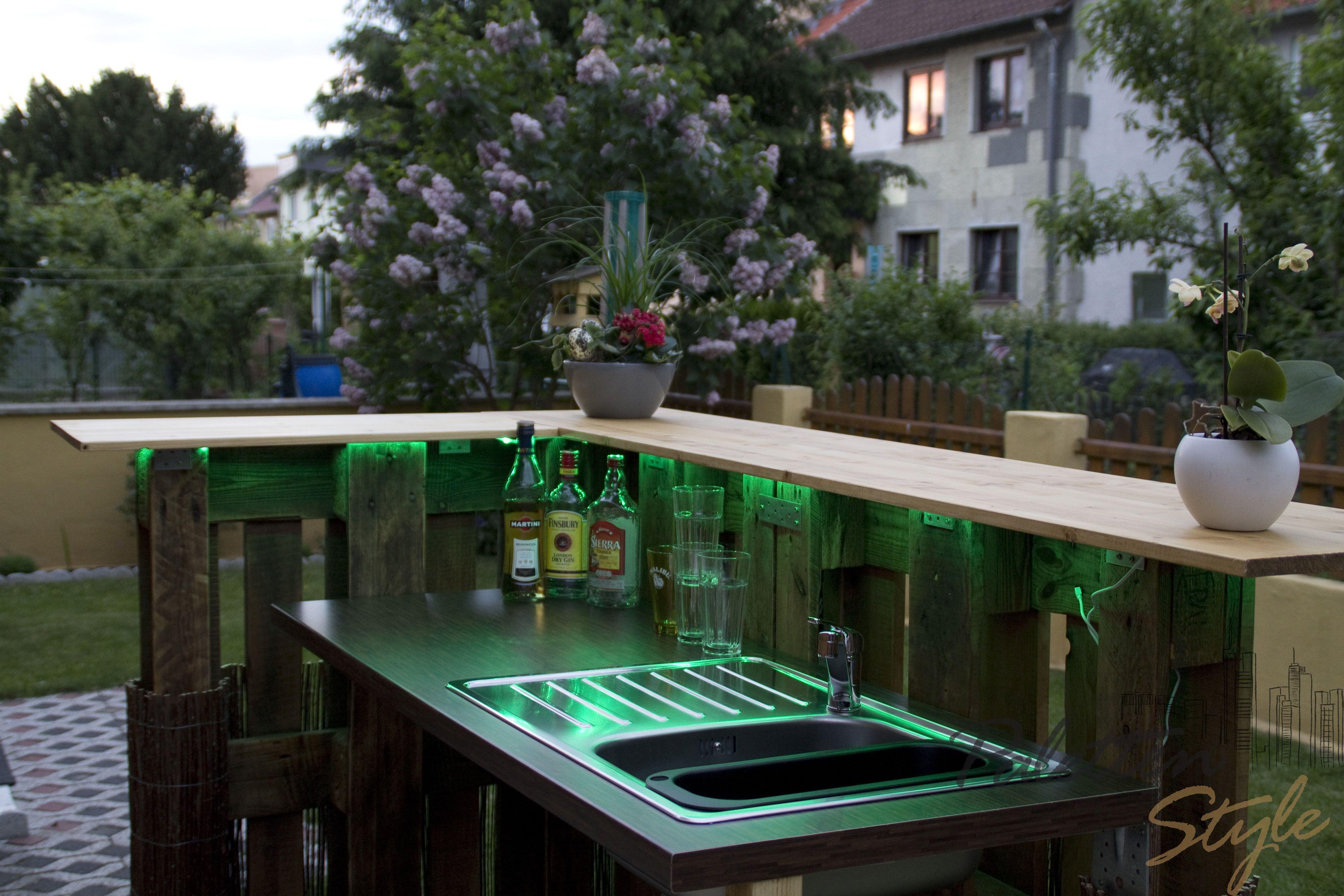 Bar aus Europaletten, Gartenmöbel Cocktailbar Palettenbar ...