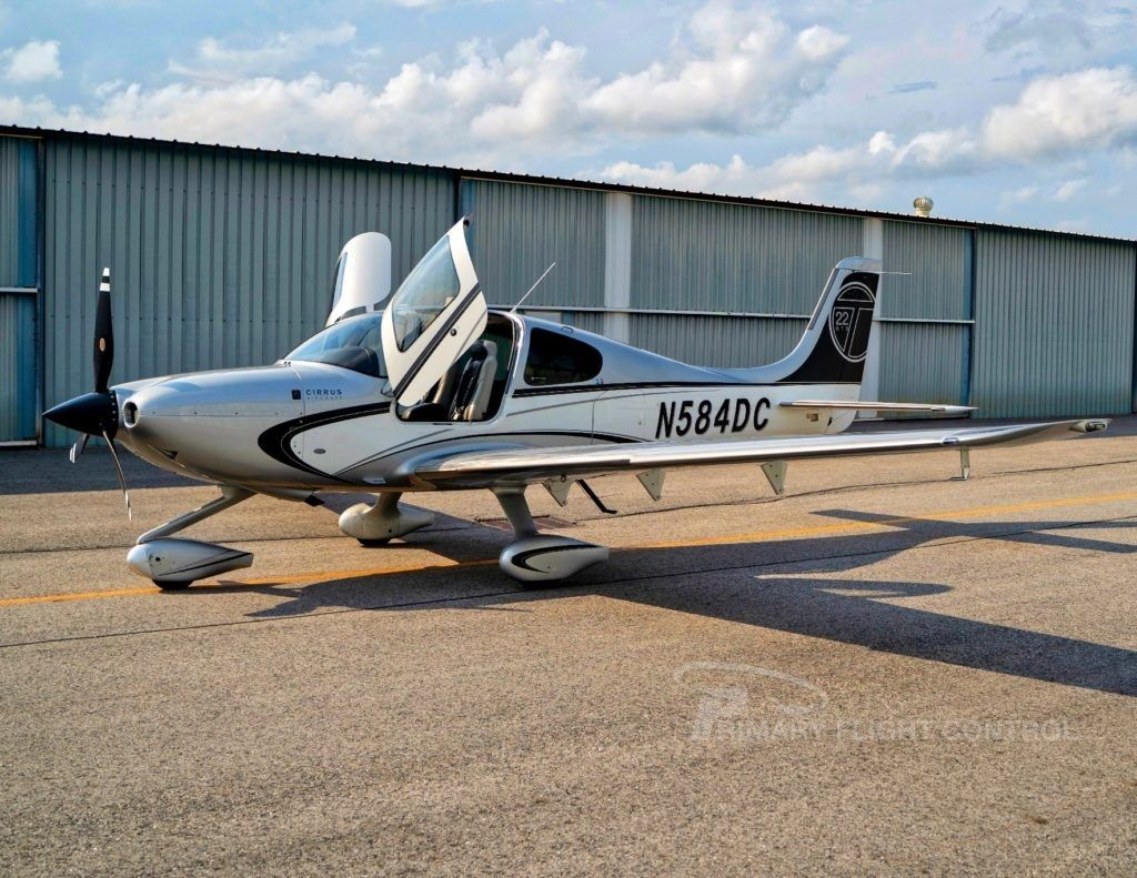 N584DC, is a beautiful, wellequipped SR22T GTS! Includes