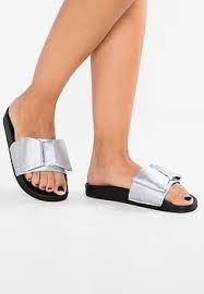 b037c7074f5 Resultado de imagen para ultimos modelos de zapatos tacon playa para dama  suecos