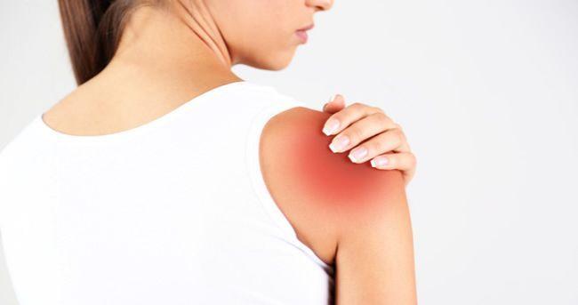 Mierne bolesti ramien môžete účinne liečiť aj doma. Prečítajte si, ako postupovať.