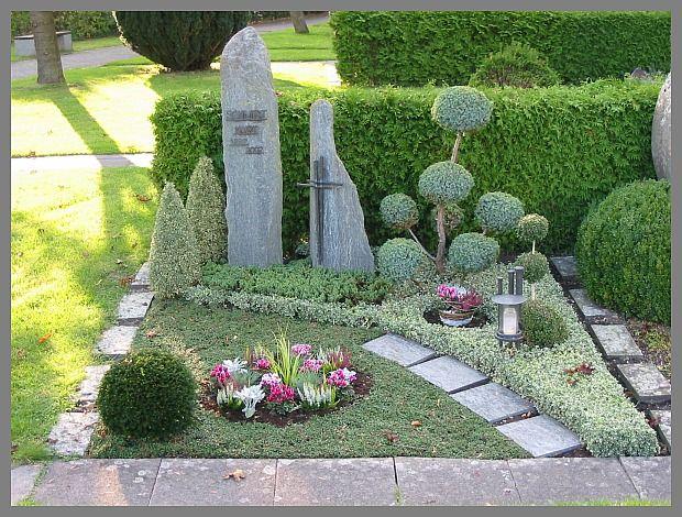 Bildergebnis für grabgestaltung pflegeleicht Grab dekoration - pflegeleichter garten modern