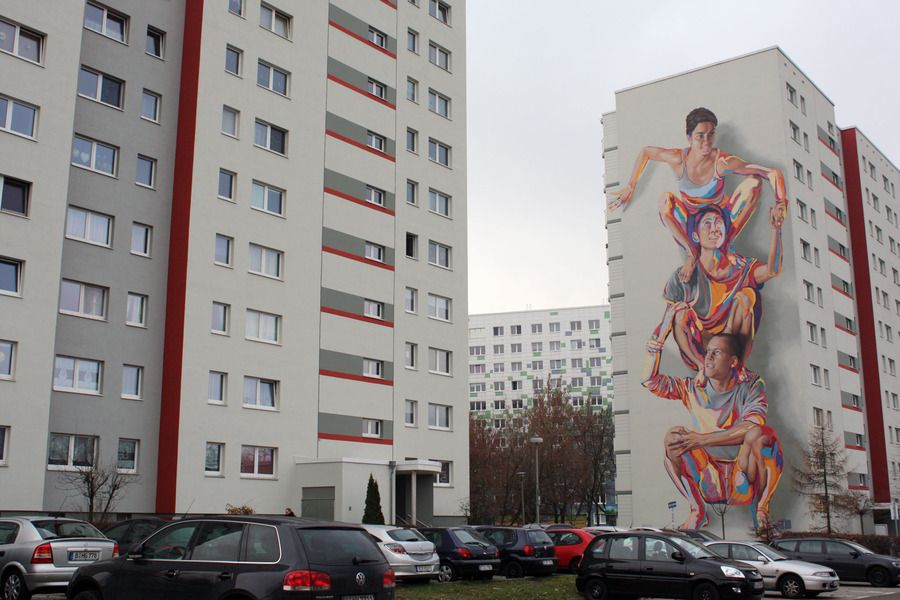 Title: Totem Mural Medium: Acrylic and Spraypaint Size: 15meters X 32.37meters Year: 2014 Artist: Addison Karl & James Bullough – JBAK Location: Landsberger Allee 228 – Berlin Lichtenberg
