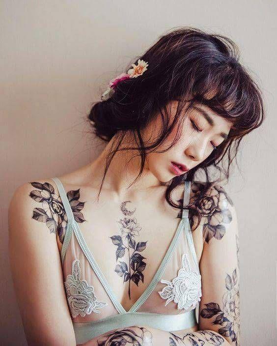 Photo of Asian girls tattooed
