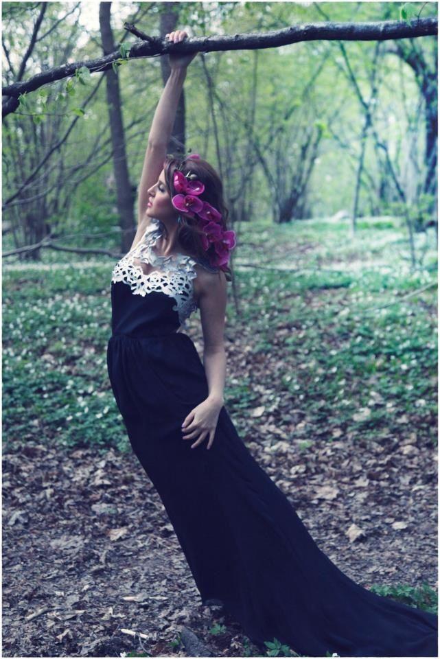 Designer: Intidhar Saleh Photo: Victor Ackerheim Hair: Ingrid Thuresson Model: Natalie Safar