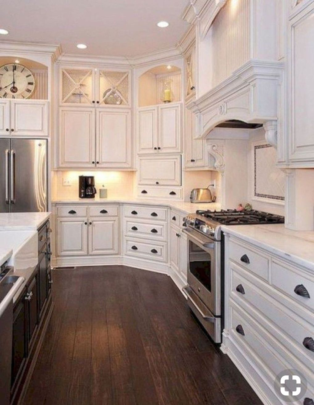 KITCHEN MAKEOVER PART 1 : FARMHOUSE TOUCHES AND CEILING ...