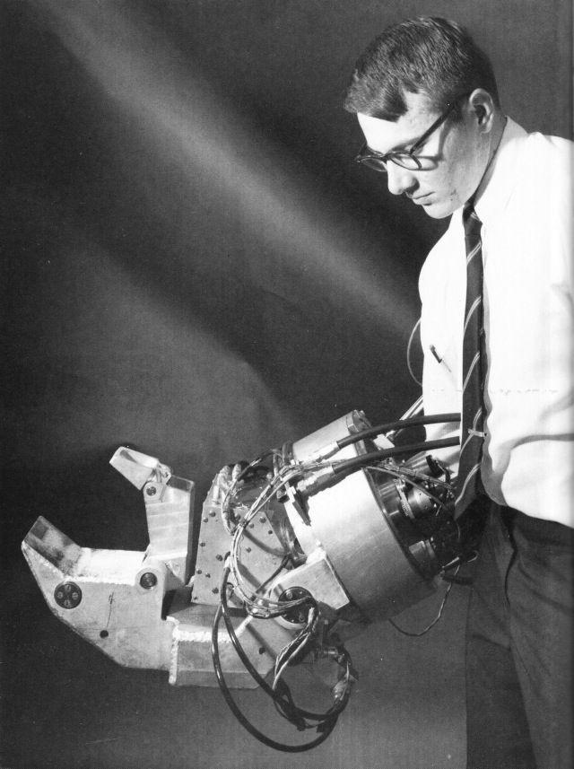 The Mighty Nerd - General Electric Hardiman I (1965)