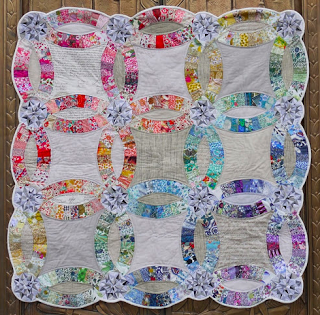 Double wedding ring quilt by Sarah Sharp NYC Metro MOD Quilters