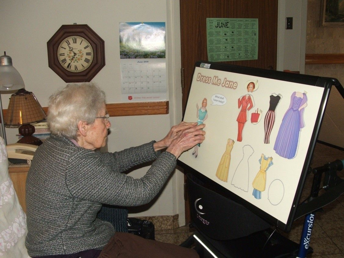 Creative Memory Boards Improve Kingsway Lodge Residents