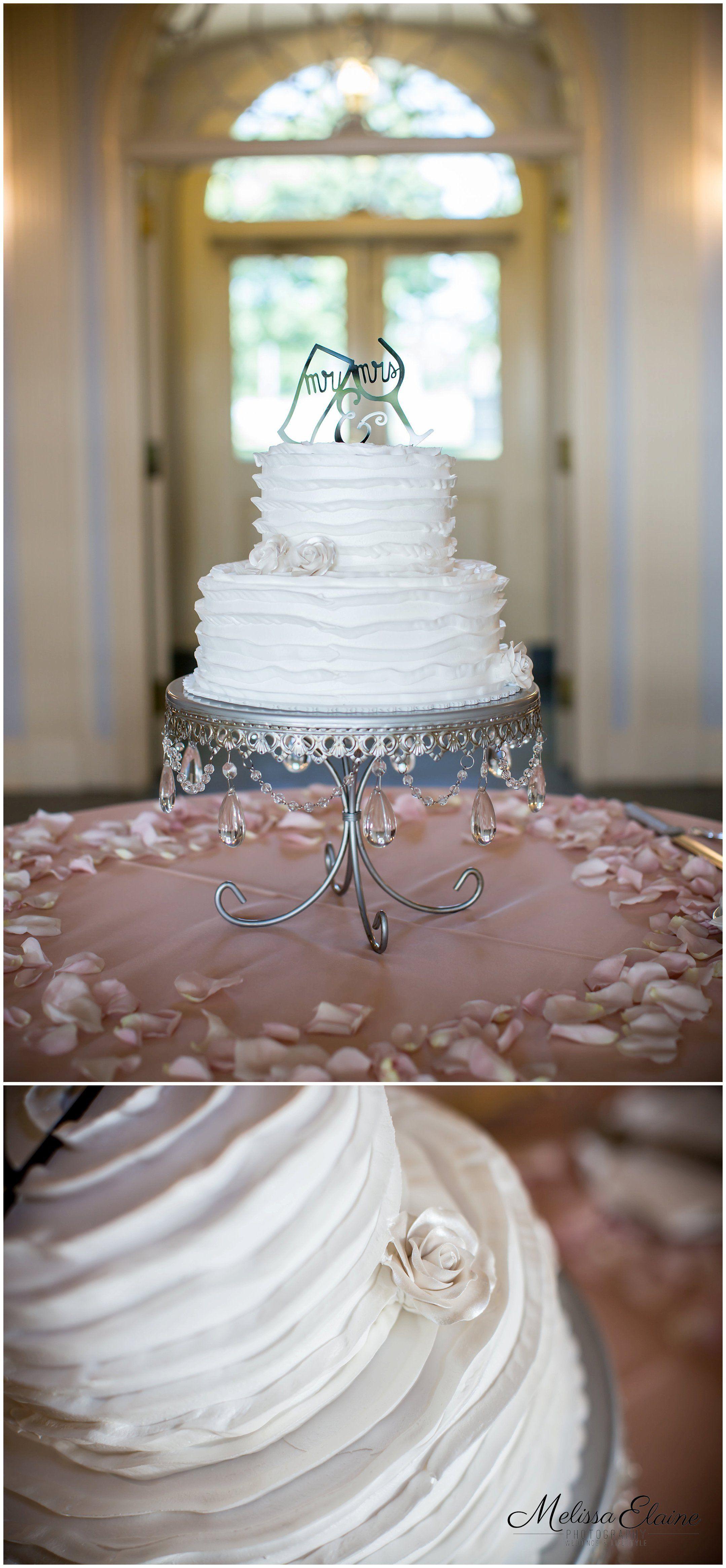 Simple Cake Blush Elegant Wedding At Earhart Manor Concordia University Ann Arbor Photographer Melissa Elaine Photography