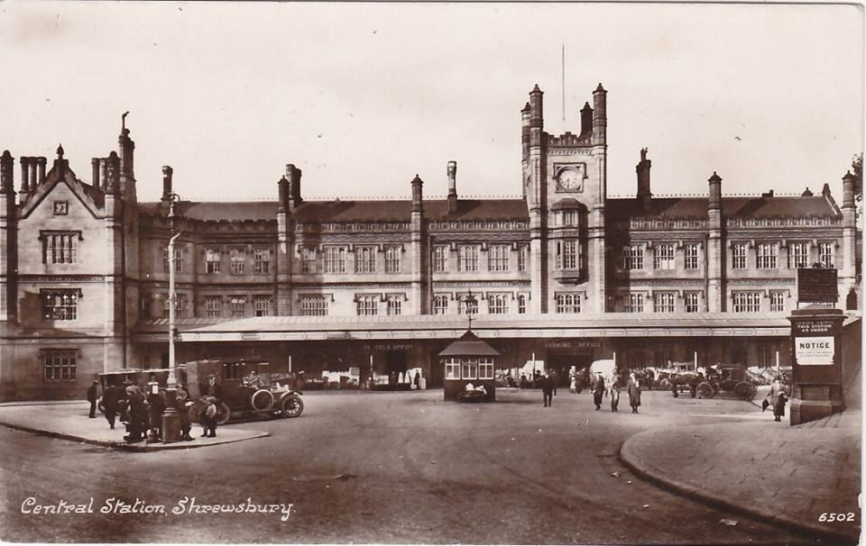 The imposing Shrewsbury station.  The little hexagonal hut in the centre of the photo is currently in the Castle grounds - amazing it's survived so long