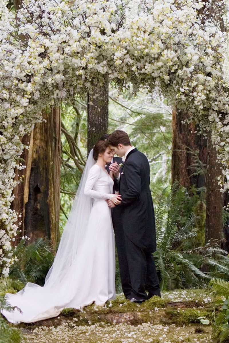 Kristen Stewart as Bella Swan   - HarpersBAZAAR.com http://www.harpersbazaar.com/culture/film-tv/g5983/best-movie-brides/?slide=31