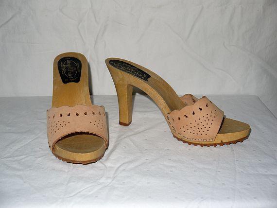 Tan trum . vintage 70s 80s mules heels platform shoes / high heel 1970s  1980s sandals - Tan Trum . Vintage 70s 80s Mules Heels Platform Shoes / High Heel