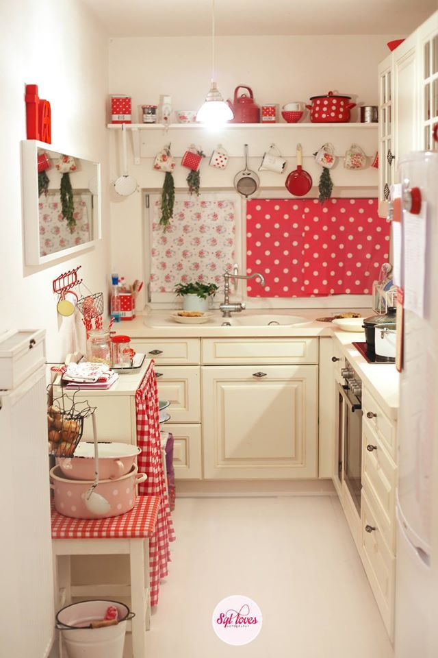 Small Red Kitchen Ideas Part - 36: Red And White Cottage Kitchen