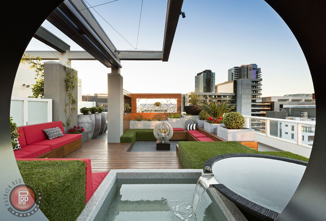 penthouse rooftop garden by paal grant landscapes