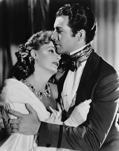 Beautiful photo of Great Garbo and Robert Taylor starring in Camille