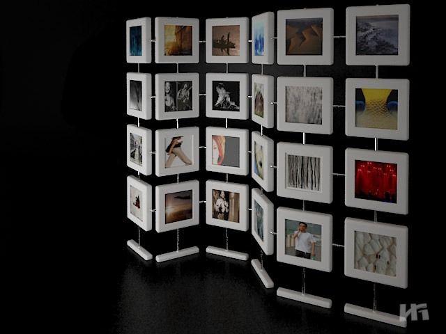 Перегородка из рамок с фотографиями